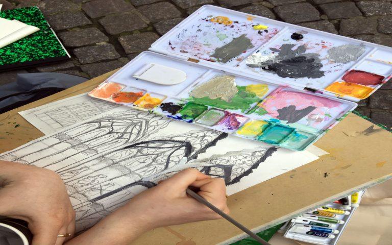 Outdoor art class