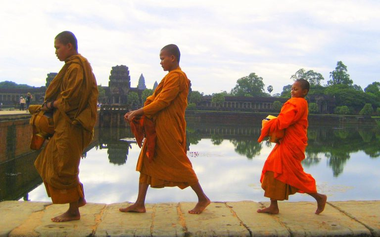 Monks at Angkor Wat Religious Education Tour Intercultural Understanding General Capabilities Australia and its Asian Neighbours Cross Curriculum Priorities Tour