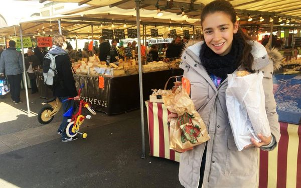 Language Experience Shopping in a local market in French